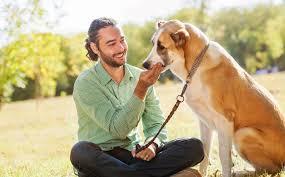 Muškarci sa psom mnogo više privlačniji ženama