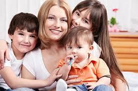 Majka čija deca nemaju njen DNK